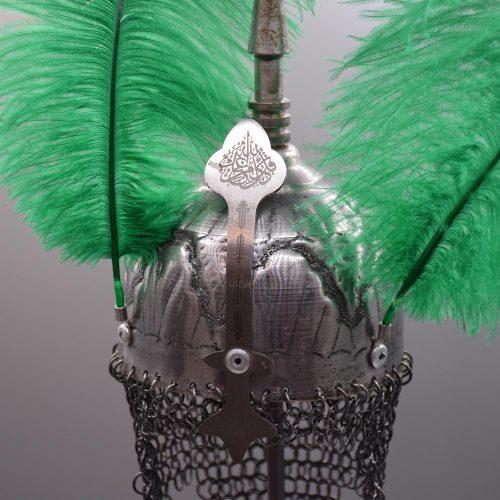 تندیس کلاه خود از جنس فلز هنر دست بر چوب گردو